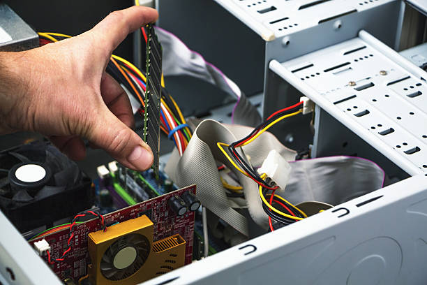 Grasp The Essential Qualities Of Computer Repair Service Professionals