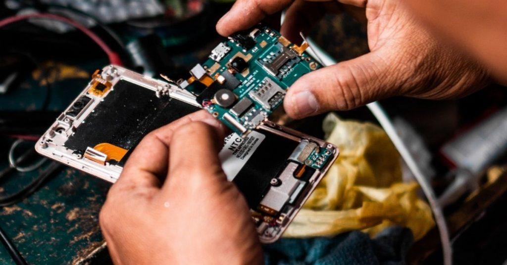 Factors consider when hiring the mobile computer technician